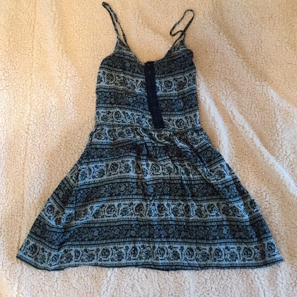 American Eagle Outfitters Dresses & Skirts - Light + dark blue floral American eagle dress